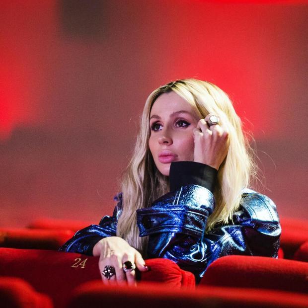 Светлана Лобода засветилась вфутболке сизображением солиста Rammstein