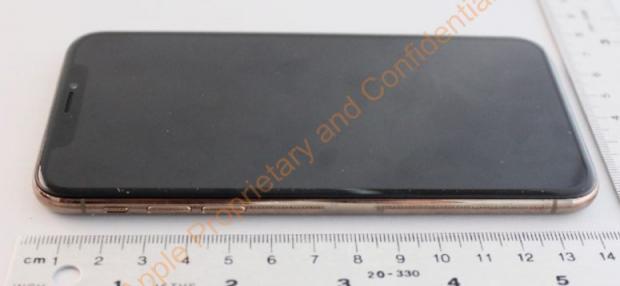 Золотой iPhone X: фото предполагаемой новинки от Apple опубликованы в Сети