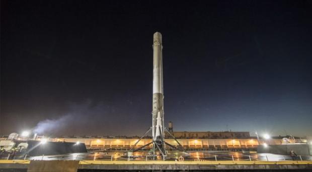 Запуск SpaceX онлайн: какие цели преследует компания отправляя на орбиту новый спутник