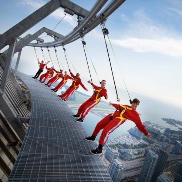Си-Эн Тауэр в Торонто – башня на высоте 356 метров над уровнем моря