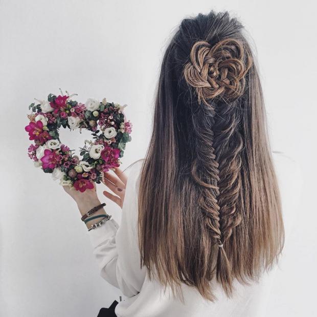 Прически на последний звонок: плетеные розы из волос – новый хит Инстаграм