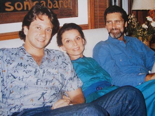 Одри с сыном Шоном и возлюбленным Робертом Уолдерсом