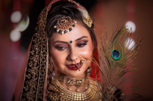Индийские нравы: в каких ситуациях женщина должна спрашивать разрешения у родственников