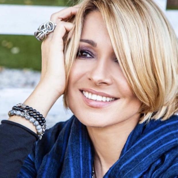 Анжелика Агурбаш: певица показала как менялась ее внешность с самого раннего детства