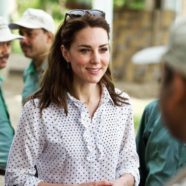 Кейт Миддлтон до сих пор не пришла в форму после родов: новые фото герцогини Кембриджской