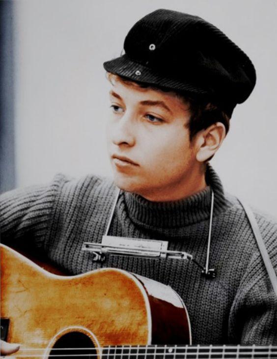 Один из самых влиятельных в мире исполнителей Боб Дилан отмечает 77 лет: творческий путь артиста