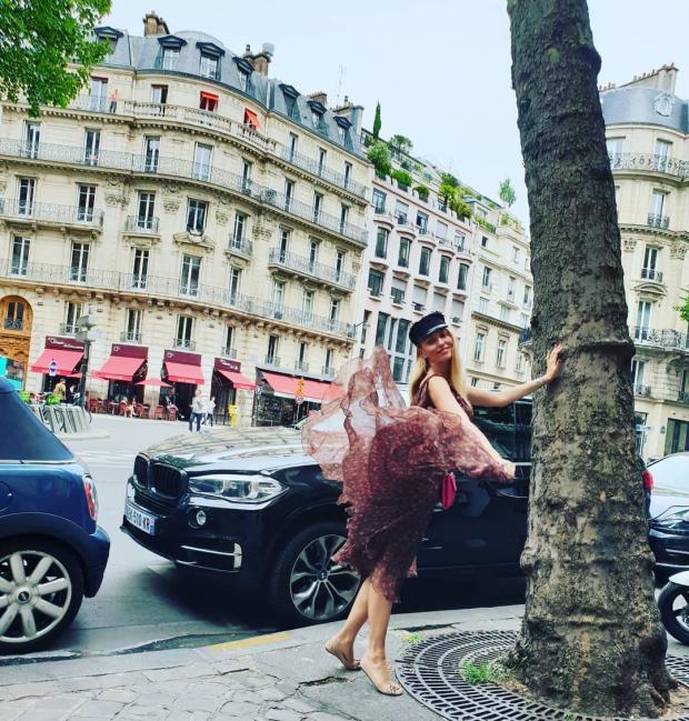 Еще Париж