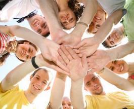 Международный день друзей: топ-10 открыток для ваших близких людей