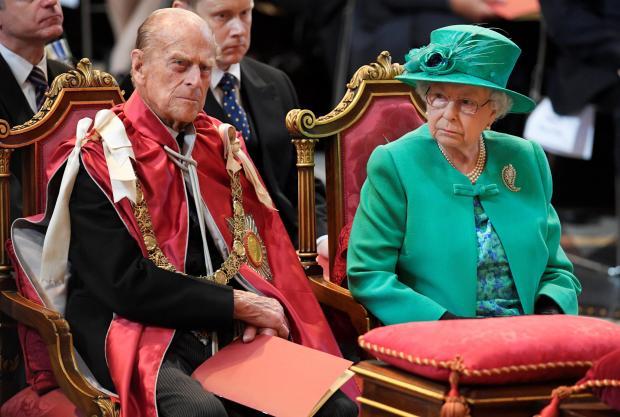 К65-й годовщине коронации ЕлизаветыII вСоединенном Королевстве Великобритании выпустили килограммовую серебряную монету