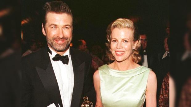 В 1995 году американские актеры Алек Болдуин и Ким Бейсингер стали впервые  родителями. На свет родилась девочка a711c3042b0b3