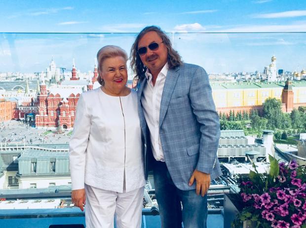 мама Николаева