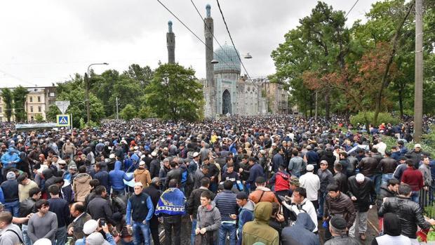 Ураза-байрам 2018: когда отмечают праздник разговения и каких традиций придерживаются мусульмане