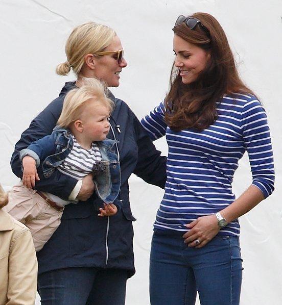 Внучка королевы ЕлизаветыII Зара Филлипс снова стала мамой