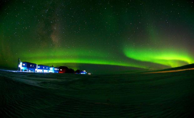 Антарктида ночью