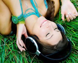Главные хиты лета: опубликован рейтинг самых популярных песен жаркого сезона
