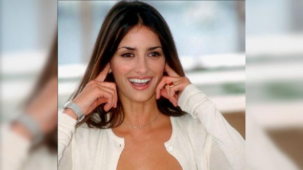Идеальная копия Пенелопы Крус: 41-летняя Моника так же красива как ее старшая сестра