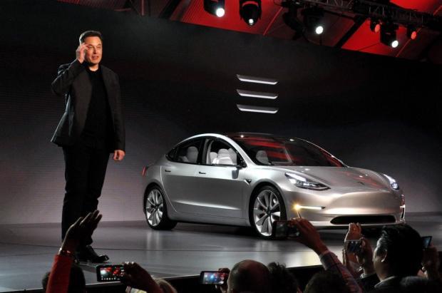 Что происходит в Tesla: вице-президент и главный технолог компании подал в отставку