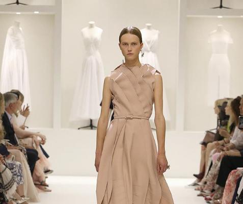 Неделя высокой моды в Париже 2018: топ-10 прозрачных платьев покоривших мировой подиум