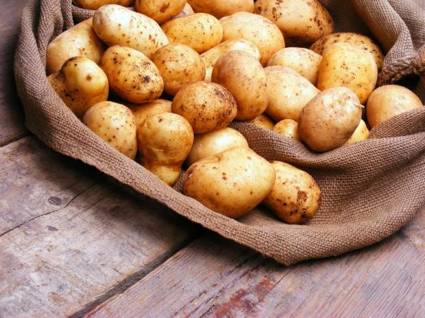 Что приготовить на ужин необычного: простой и вкусный рецепт картофельных рогаликов
