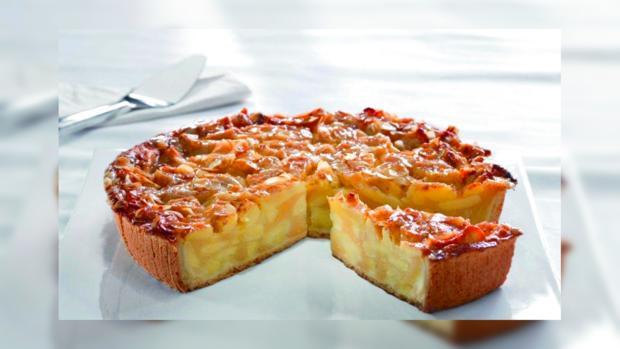Рецепт яблочного пирога: как готовила нежный десерт легендарная Анна Ахматова