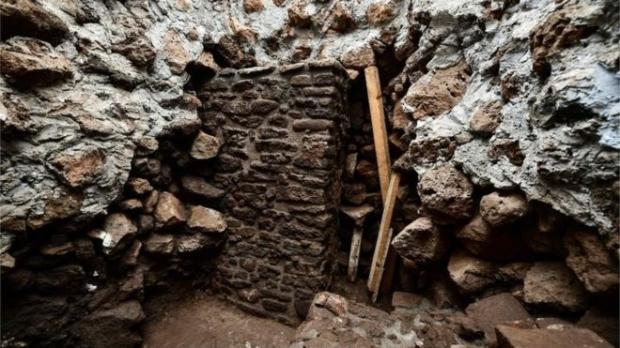 Необычное открытие: ученые в Мексике обнаружили древний храм в пирамиде Ацтеков