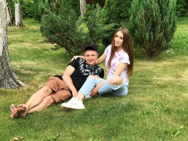 Девушка осталась одна дома с подружкой, секс онлайн на армянский