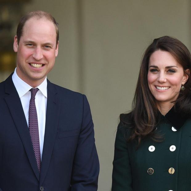 Герцоги Кембриджские и Сассекские: эксперт по языку тела прокомментировал поцелуи пар