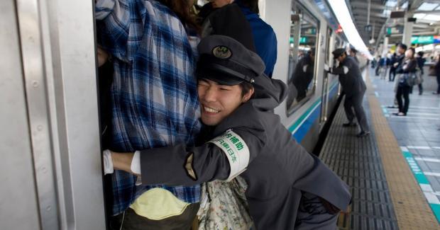 трамбовщик в метро