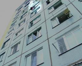 Чудесное спасение: в Астане мужчина сумел поймать сорвавшегося с 10 этажа ребенка