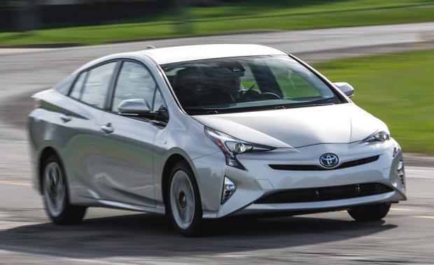 Тойота отзовет неменее 1 млн машин повсей планете из-за риска возгорания