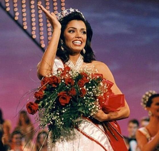 Бывшая «Мисс Вселенная» погибла  ввозрасте 45 лет отрака