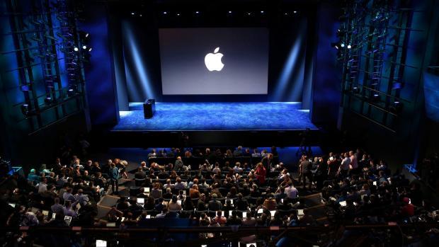 «Слив или фейк?»: На сайте Apple появились фото iPhone 9 и iPhone Xs