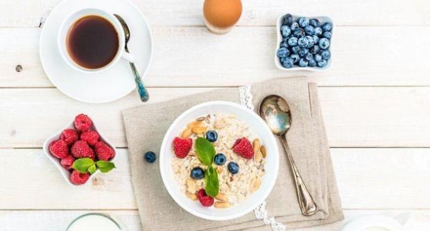 Секрет похудения - в завтраке: диетологи рассказали каким должен быть утренний прием пищи