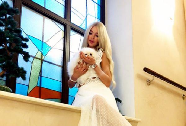 Фигура Алены Кравец прекрасна и без фотошопа: модель поделилась фрагментом новой фотосессии