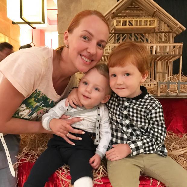 галина боб и ее семья фото выглядит сильно