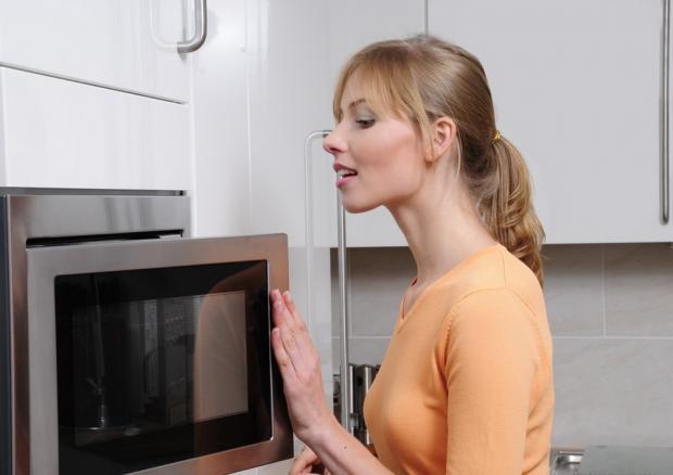 Очистить микроволновую печь