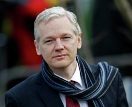Джулиан Ассанж проиграл суд: основателя WikiLeaks обязали мыть ванну и убирать лоток кота