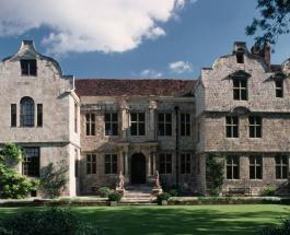 Дома с привидениями: топ-5 историй о призраках в замках и особняках Великобритании