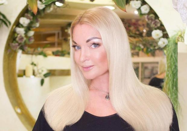 Анастасия Волочкова стала объектом насмешек: балерина надела странный наряд