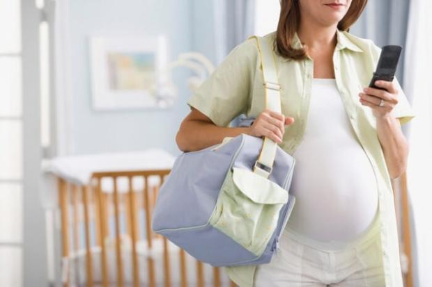беременная и мобильный