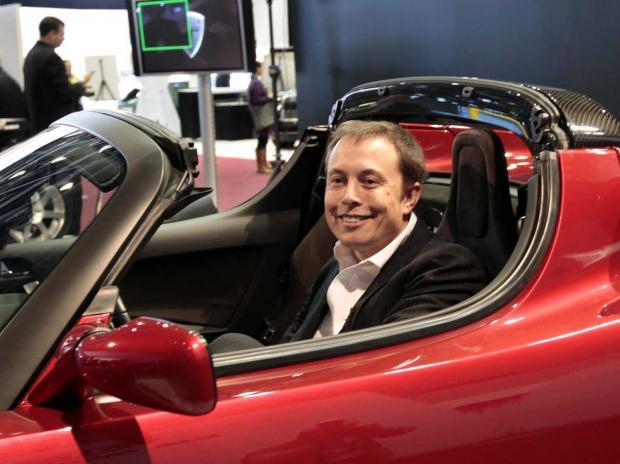 Маск продемонстрировал бюджетную версию Tesla Model 3