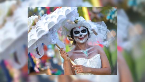 День мёртвых в Мексике 2018: ежегодный фестиваль посвятили проблемам миграции