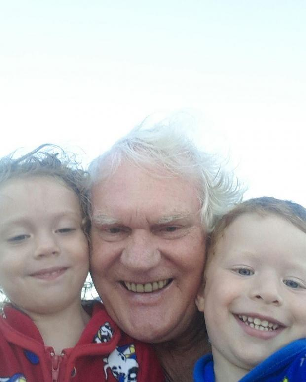 куклачев с внуками