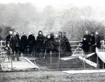 1862 - семья садит мемориальное дерево Принца Альберта