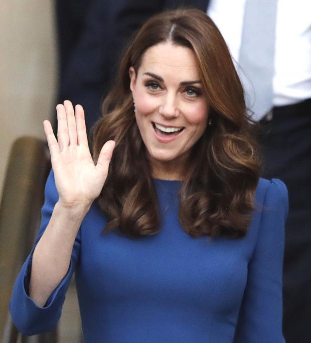 Кейт Миддлтон впервый раз за долгий период времени показала принца Луи