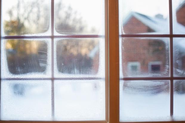 окно зима