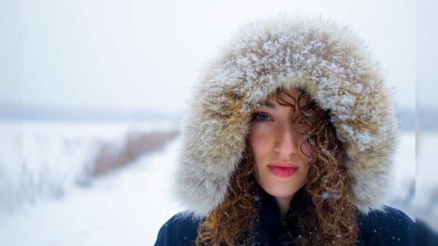 зима женщина