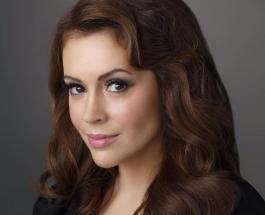 Алисса Милано – именинница: 46-летняя актриса без макияжа показала естественную красоту