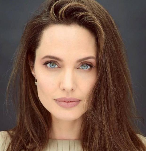 Новый выход Анджелины Джоли: актриса выглядит счастливой ... анджелина джоли