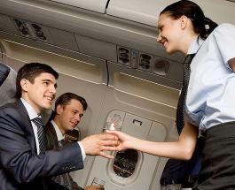 Комфортное путешествие на самолете: от какой одежды и аксессуаров лучше отказаться
